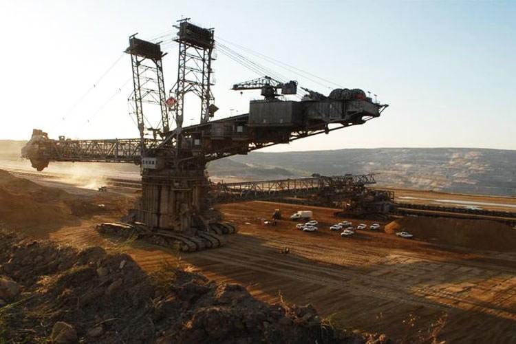 آلمان ۸۴ نیروگاه زغال سنگ خود را تعطیل میکند
