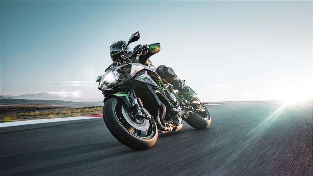 موتور سیکلت کاوازاکی Z H2 رونمایی شد